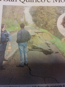 Road subsidence near Montespertoli. Photo la Republica