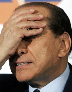 Silvio gaffes again photo Huffington Post