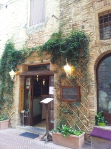 Ristorante San Martino 26 in San Gimignano. Photo J Finnigan