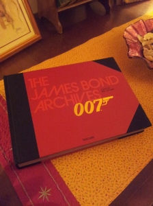 The James Bond Archive Book foto J Finnigan