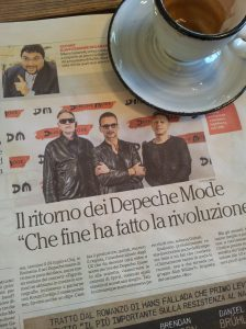 Depeche Mode on tour in Tuscany. Black leather maketh the aging rocker! La Nazione