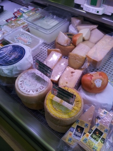 Italian cheeses at La Dispensain Fiano. Foto J Finnigan