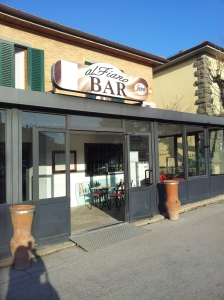 Al Bar Fiano, needing lots of people to bring it alive again. Foto J Finnigan